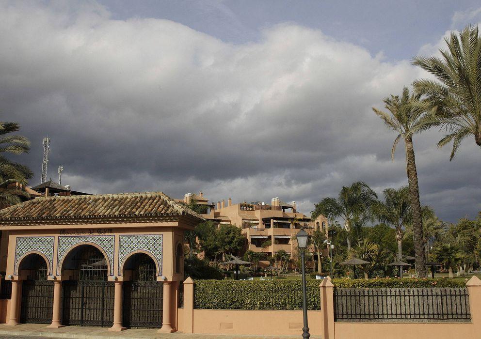 Foto: Imagen del residencial en el que se ubica el ático del presidente de la Comunidad de Madrid, Ignacio González (EFE)