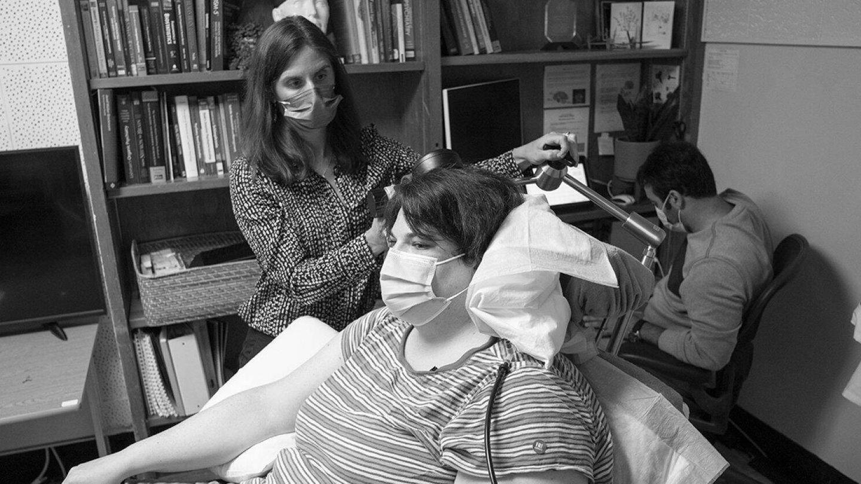 Sarah es la primera paciente en recibir este tratamiento experimental. (UCSF)