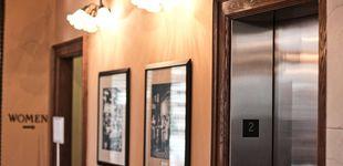 Post de Una mujer es decapitada por un ascensor por culpa de sus auriculares