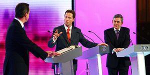 Gordon Brown, KO en el tercer debate: Cameron saca partido de la crisis y sube en las encuestas