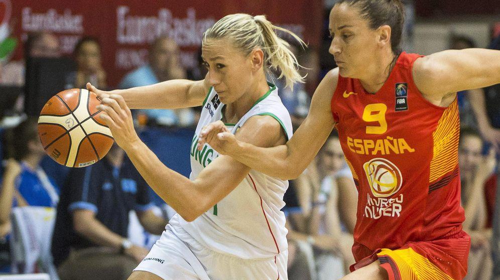 Foto: La capitana Laia Palau, en el partido ante Hungría (Efe).