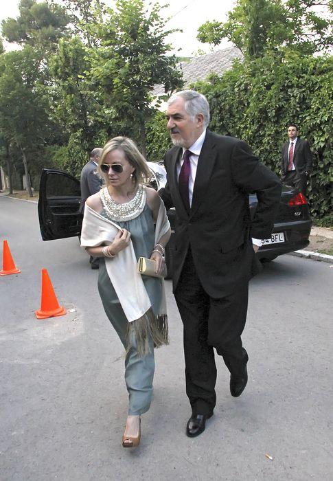 Foto: El fiscal general del Estado con Zapatero, Conde-Pumpido, y su esposa Clara Martínez de Careaga. (I.C)