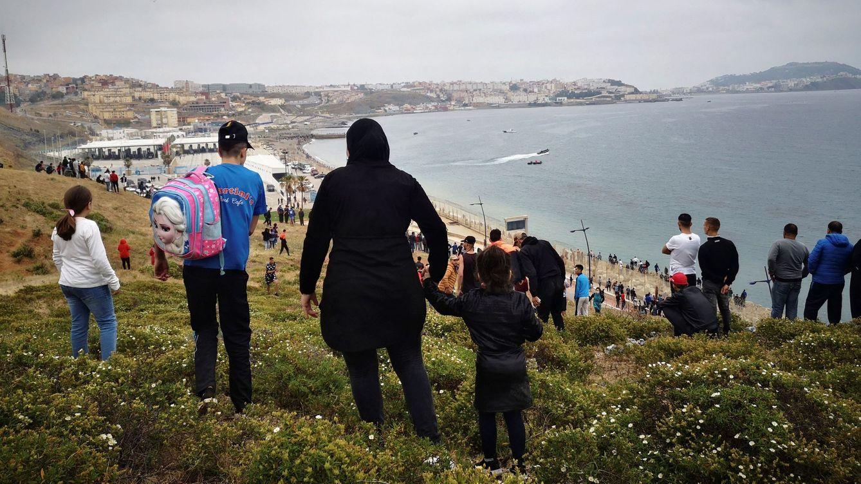 Marruecos castiga a España con la mayor ola migratoria de la historia