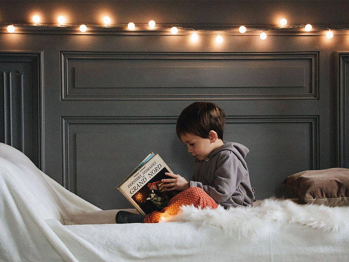 Foto: Crea un agradable rincón de lectura infantil con prácticos elementos decorativos (Mael Balland para Unsplash)