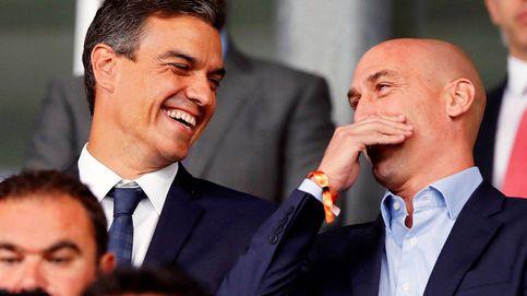 Rubiales hace campaña por Sánchez: se llevará la Eurocopa a Sevilla y no a Madrid para perjudicar a Ayuso