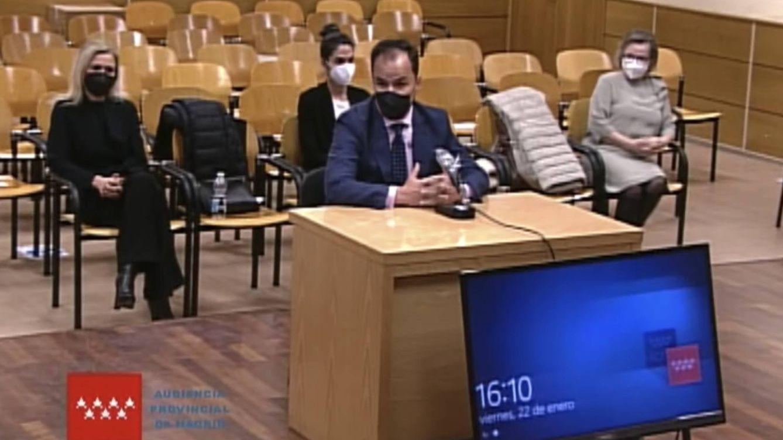 El rector reconoce reiteradas llamadas de la CAM para pedirle el acta de Cifuentes