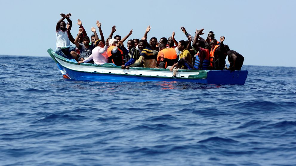 ¡Qué vengan en avión! Cómo acabar con las muertes y mafias en el Mediterráneo