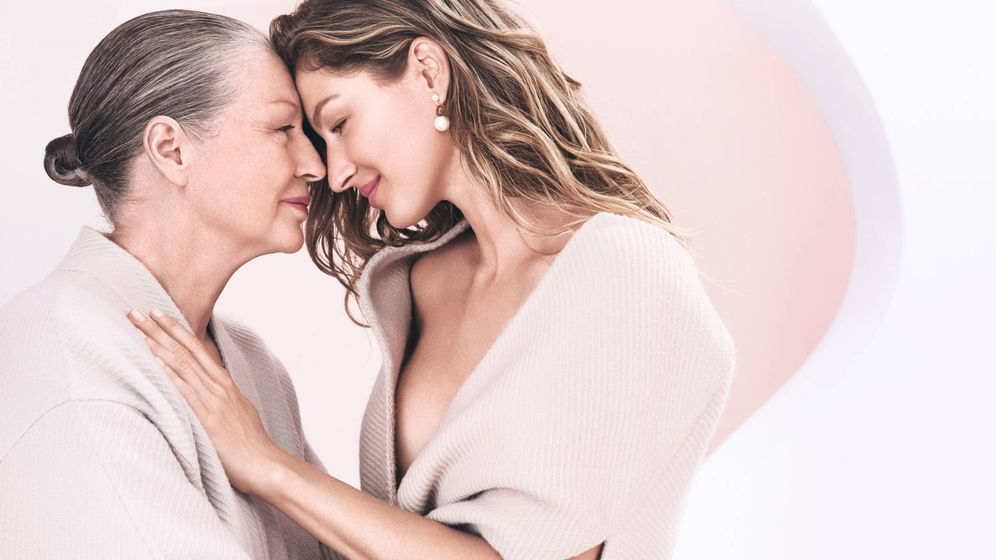 Foto: Gisele Bündchen, con su madre en la última campaña de Dior. (Cortesía)