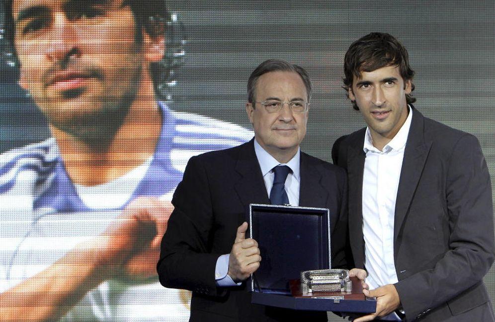 Foto: Florentino Pérez y Raúl, hace un año (EFE)