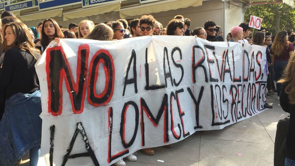 Las imágenes y los cánticos de la huelga contra las reválidas en Madrid