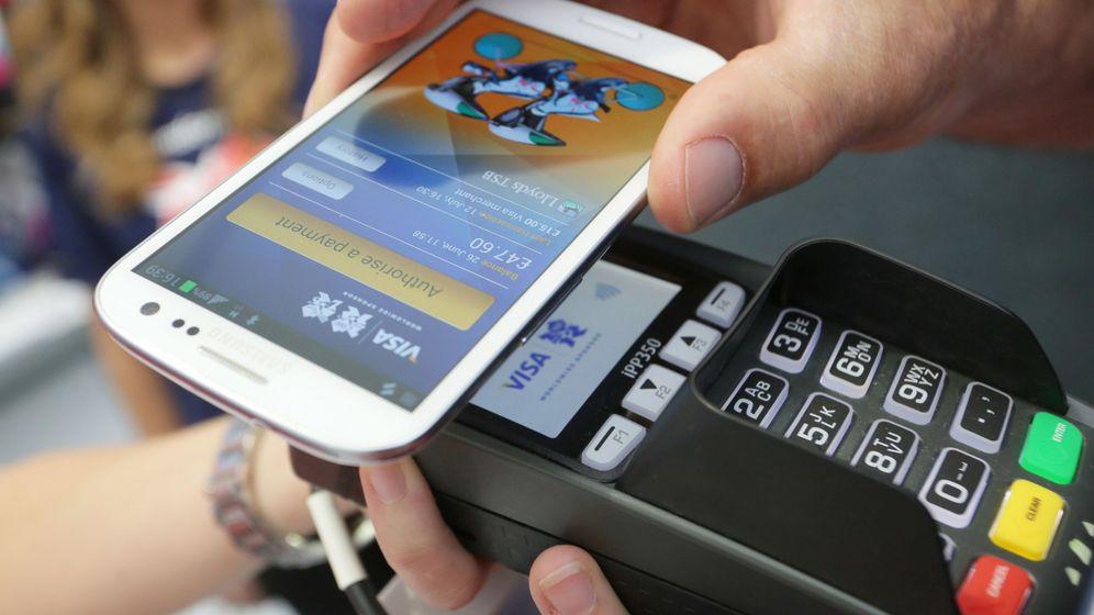 Foto: Pago 'contactless' a través del móvil con la tecnología NFC.