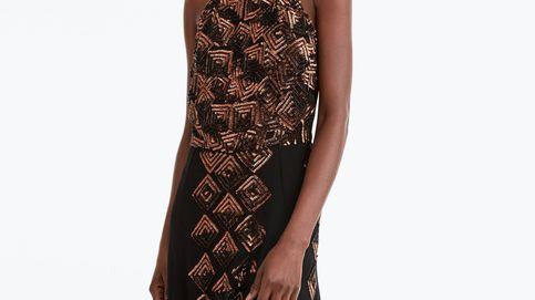 Este es el vestido de invitada de Uterqüe más elegante y favorecedor para este invierno