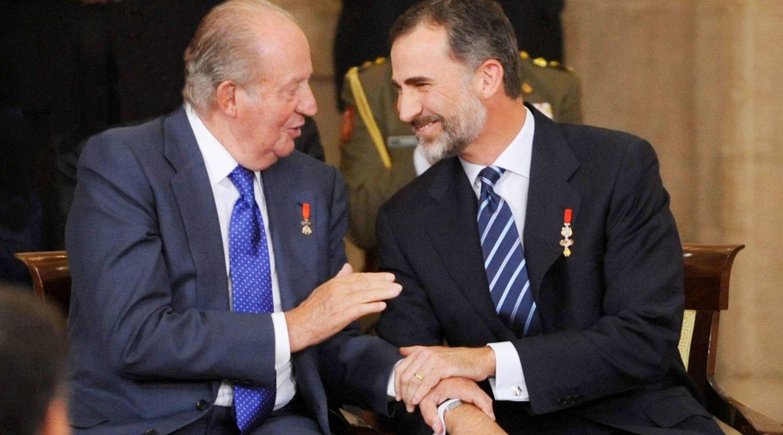 Felipe VI con su padre, el rey Juan Carlos I. (Getty)