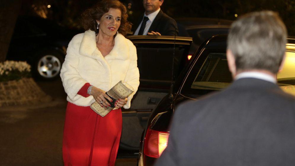 Foto: La exalcaldesa de Madrid Ana Botella a su llegada a la fiesta de Vargas Llosa.