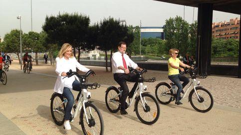 El 'Verano Azul del PP': Rajoy, Aguirre y Cifuentes se suben a la bici en campaña