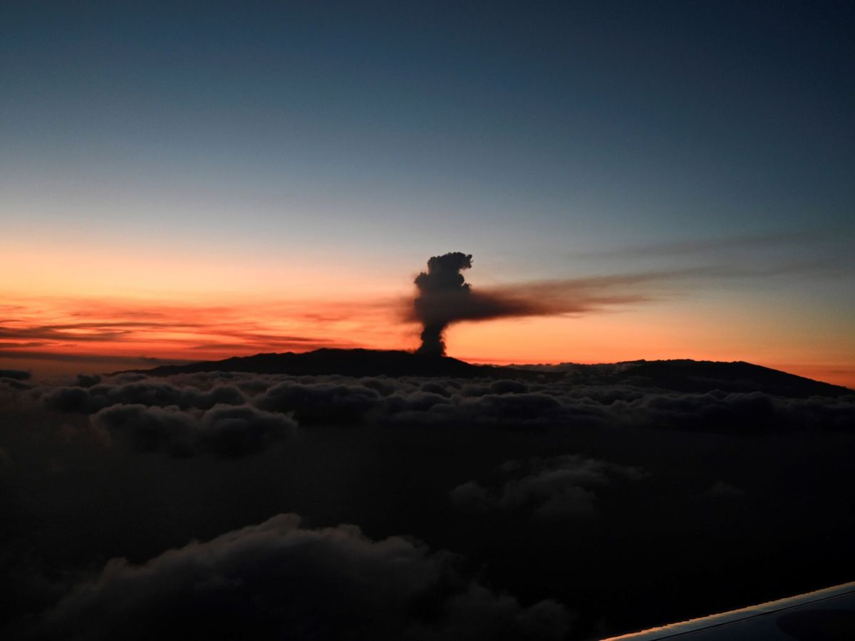 Foto: Vista de la erupción. (EFE)