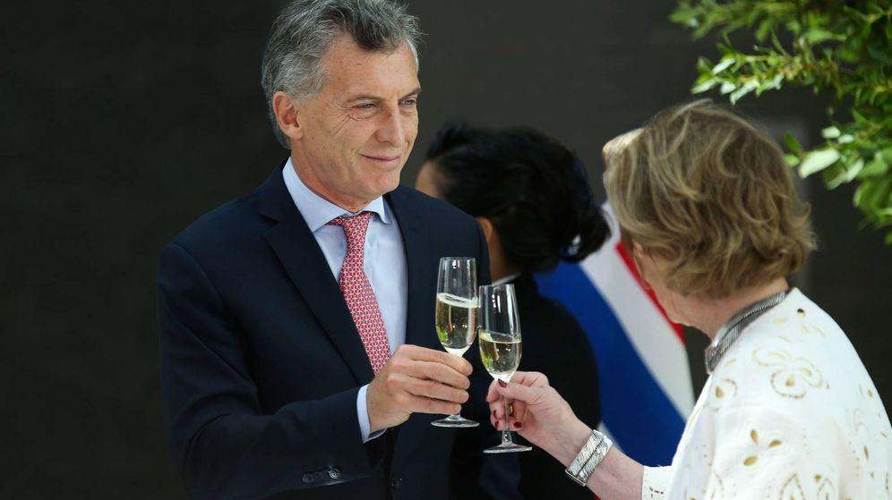 Foto: Mauricio Macri, presidente de Argentina, brindando.
