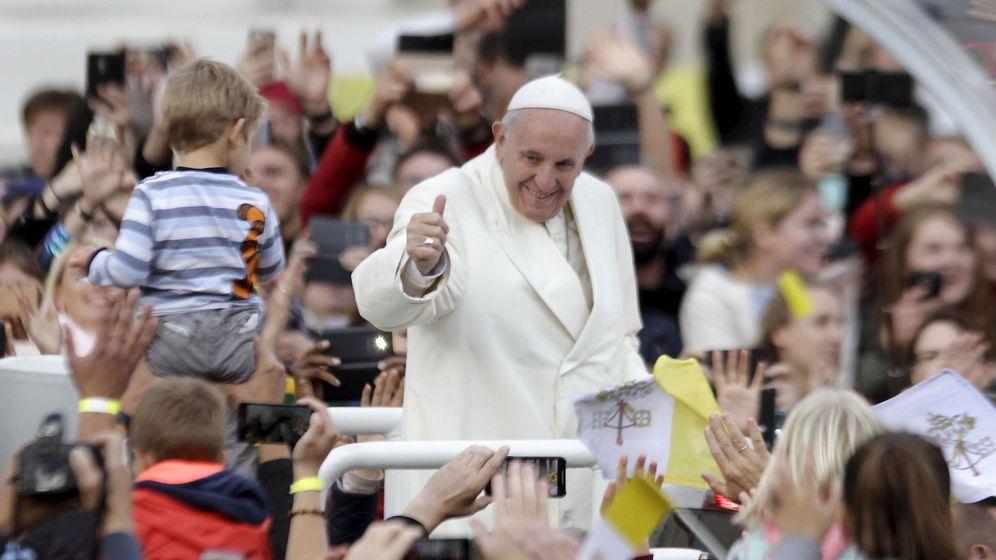 Foto: El papa Francisco en una visita en Lituania (EFE)