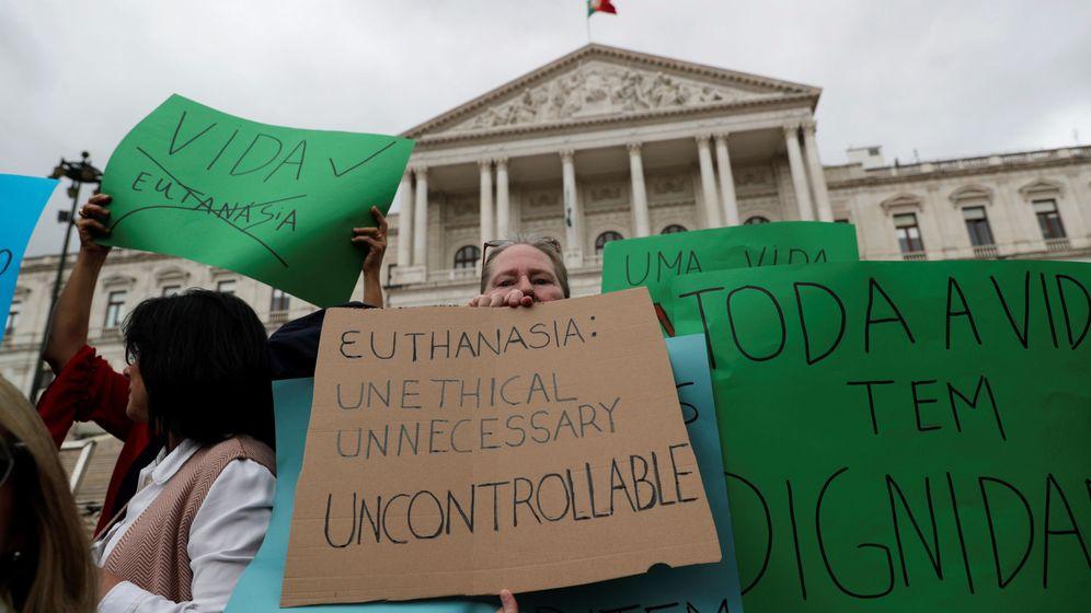 Foto: Imagen de archivo de una protesta contra la eutanasia. (Reuters)
