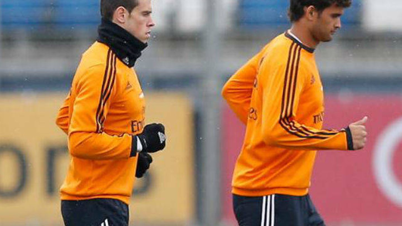 Willian José, en un entrenamiento del Real Madrid junto a Gareth Bale. (Real Madrid CF)
