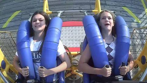 Una gaviota choca con la cara de una adolescente durante una atracción