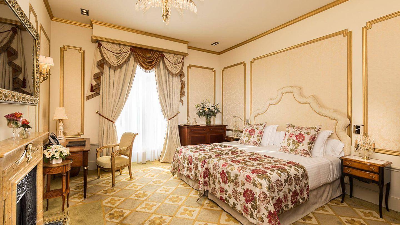 Una de las dos habitaciones de la suite Dalí del hotel Palace de Barcelona.