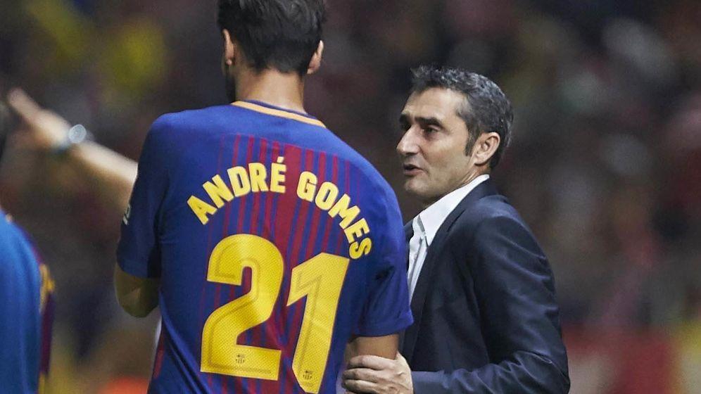 Foto: Alejandro Valverde, junto a André Gomes. (EFE)