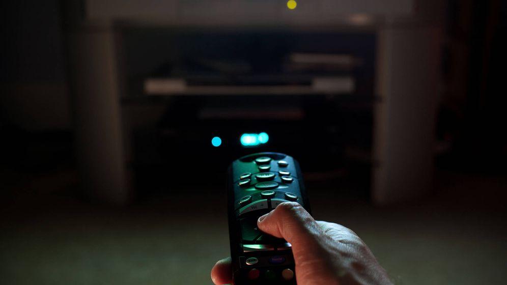 Foto: Son pocos los que pueden permitirse la suscripción a distintos servicios de vídeo bajo demanda (Fuente: Chris Brown | Flickr)