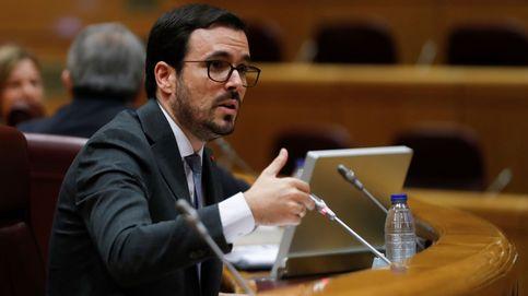 Garzón prohibirá la publicidad de apuestas en estadios, camisetas y emisiones de la Liga