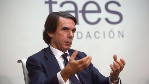 Aznar vuelve, el centro sigue en paradero desconocido