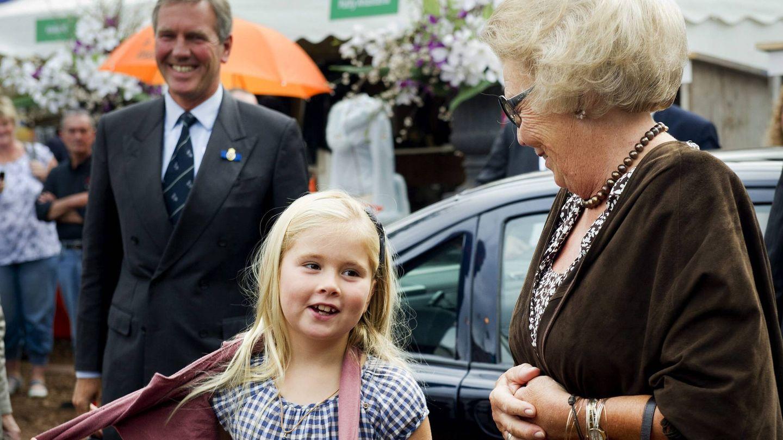 Beatriz de Holanda y la princesa Amalia,  en 2011. (EFE)