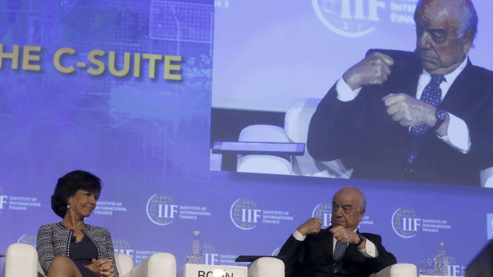Foto: Ana Botín y Francisco González, presidentes de Banco Santander y BBVA respectivamente. (EFE)