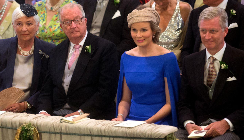 Albert y Paola, junto a su hijo Felipe y su nuera Matilde (AP)