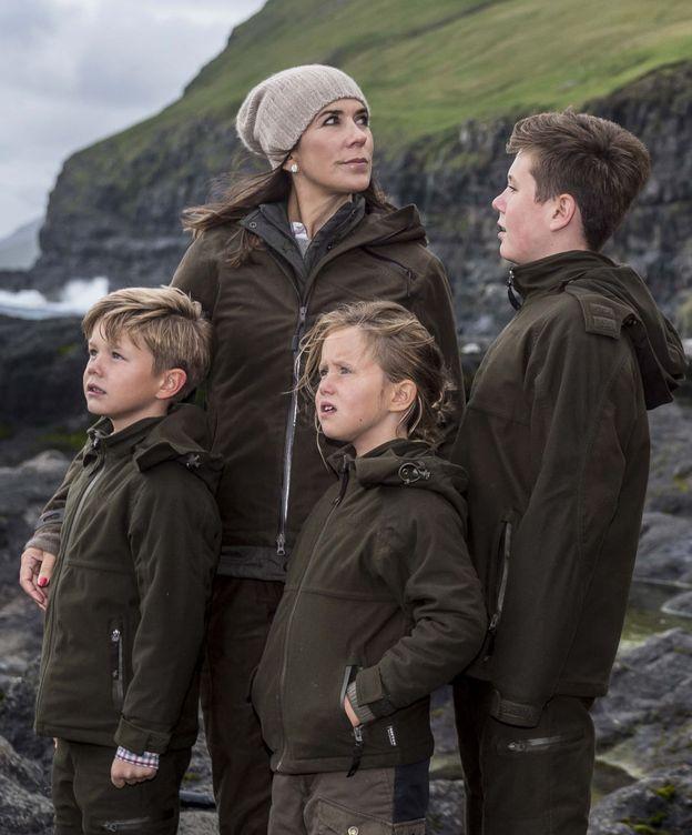 Foto: Mary con sus cuatro hijos. (EFE)