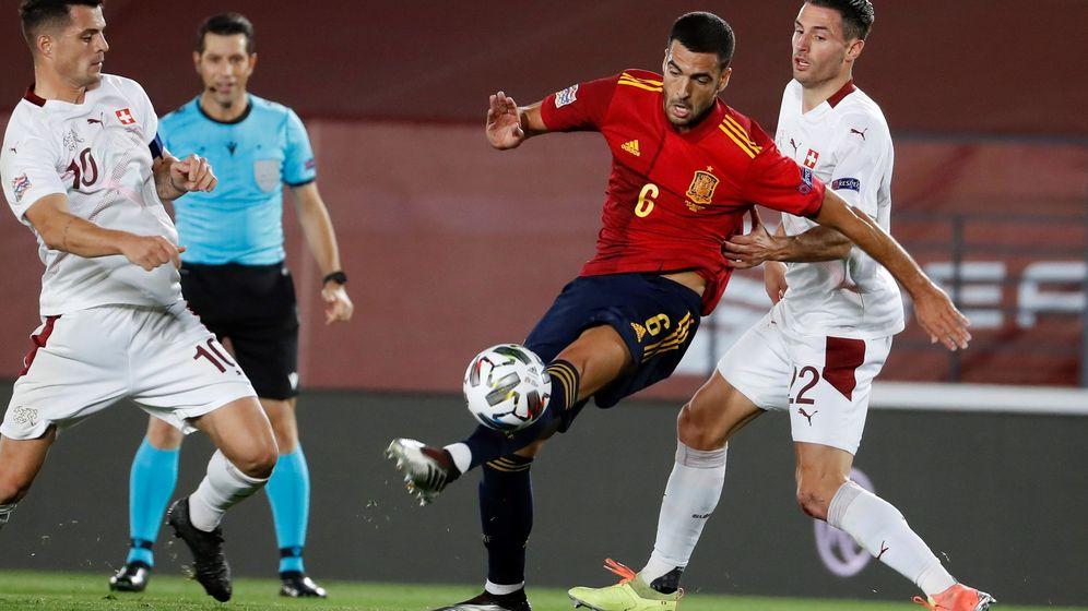 Foto: El realista Mikel Merino, en el partido de la Selección española contra Suiza. (EFE)