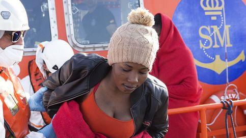 Llegan en buen estado los 33 inmigrantes rescatados a 40 millas de Motril