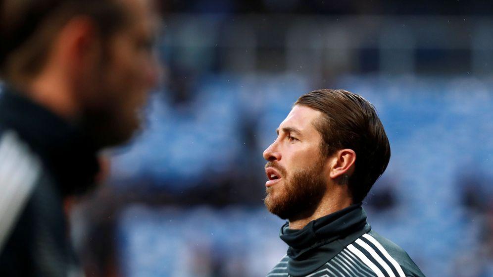 Foto: Sergio Ramos durante un calentamiento con el Real Madrid en el Bernabéu. (Efe)