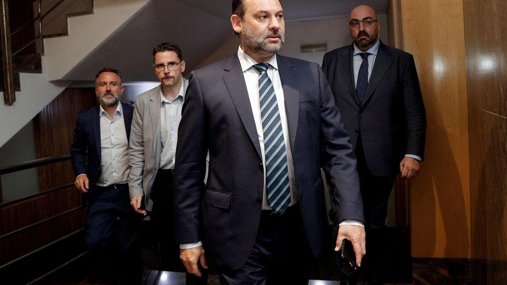 Foto: El secretario de Organización del PSOE y ministro de Fomento en funciones. (EFE)