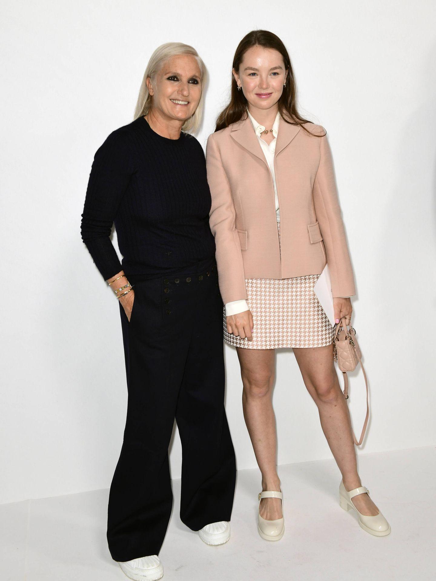 Alexandra de Hannover y Maria Grazia Chiuri, ayer en el backstage del desfile de Dior. (Getty)