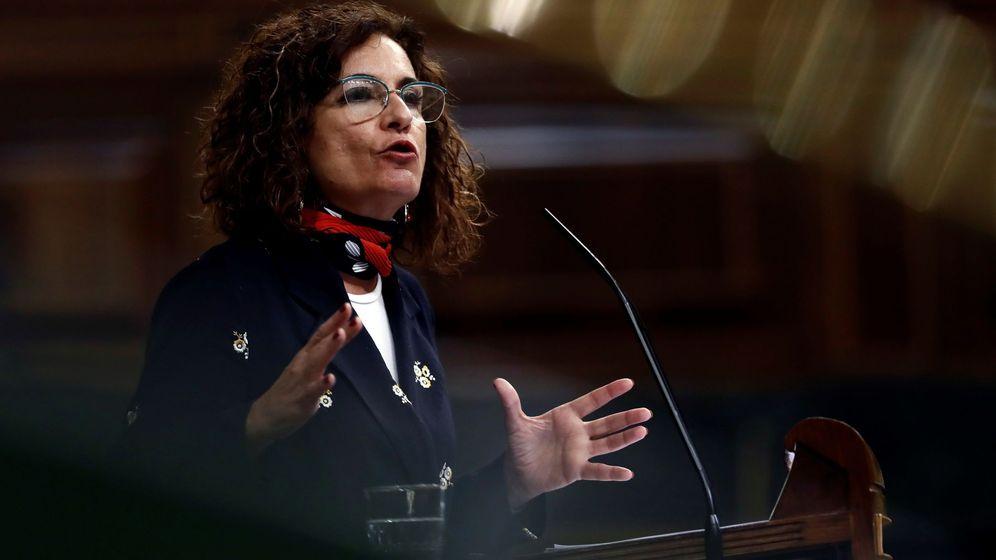 Foto: La ministra de Hacienda y Portavoz, María Jesús Montero, durante su intervención en el pleno del Congreso el pasado miércoles. (EFE)
