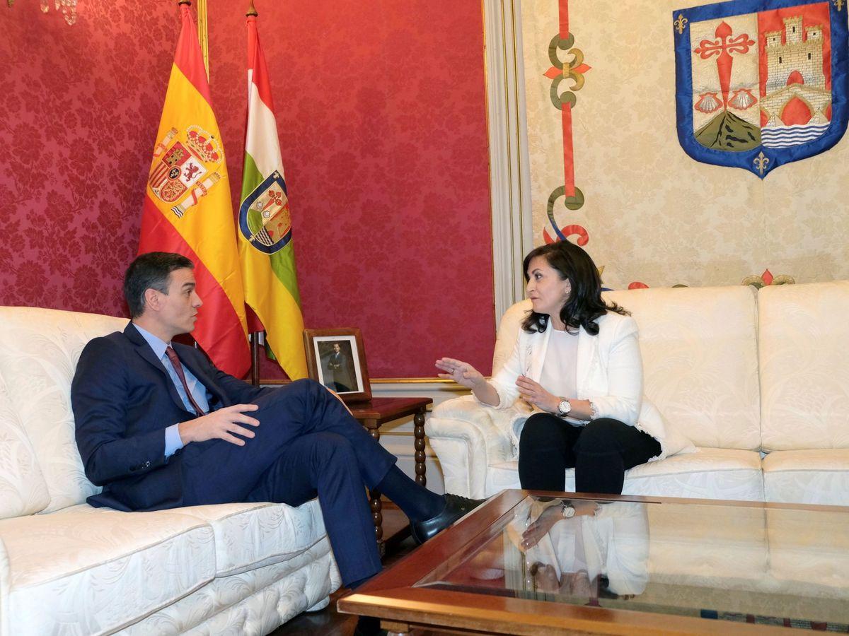 Foto: Pedro Sánchez, reunido este 28 de febrero con la presidenta de La Rioja, Concha Andreu, en Logroño. (EFE)