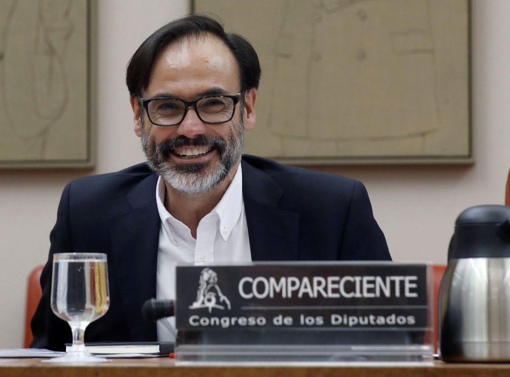 Foto: El periodista Fernando Garea, este 25 de julio en la Comisión Constitucional del Congreso. (EFE)