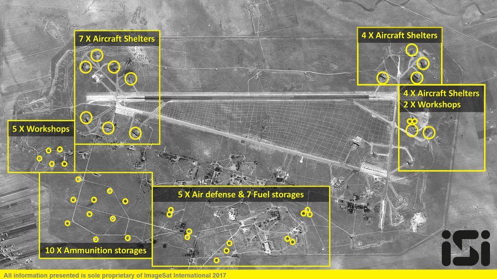 Foto: Imágenes de satélite de la base aérea atacada por EEUU, el 7 de abril de 2017. (Reuters)