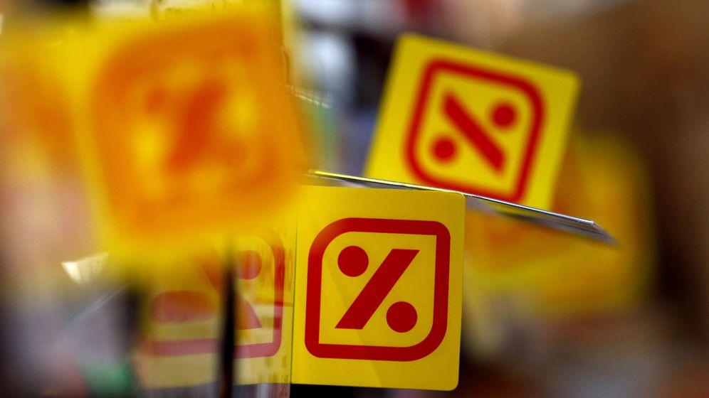 Foto: El logo de DIA en etiquetas en uno de sus supermercados. (Reuters)