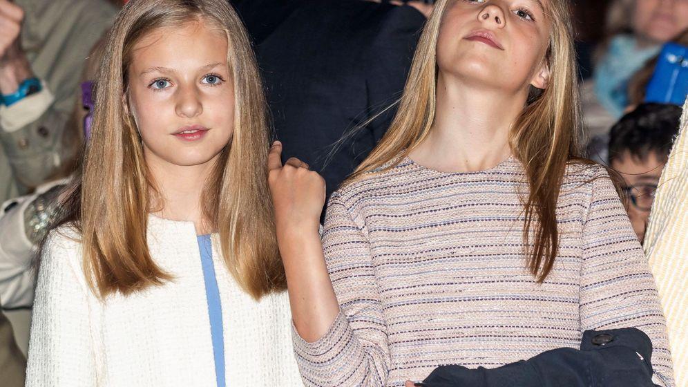 Foto: La princesa Leonor y la infanta Sofía en la misa de Pascua. (EFE)