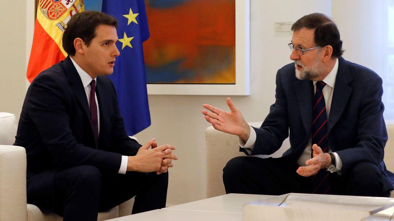 Mariano Rajoy y Albert Rivera durante su reunión en la Moncloa. (EFE)