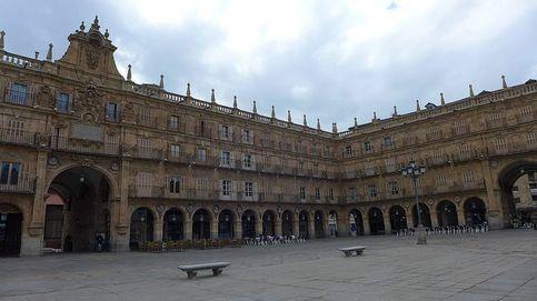 Un conductor, en la Plaza Mayor de Salamanca con marihuana y un machete