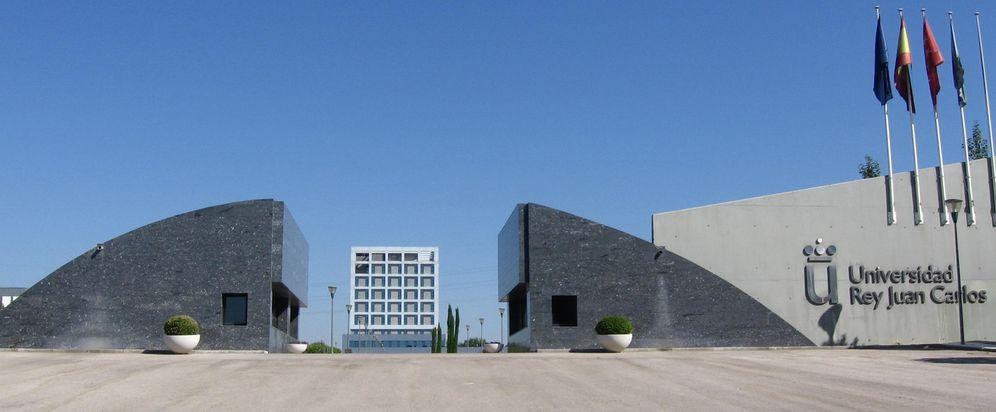 Foto: Entrada al campus de Móstoles de la universidad Rey Juan Carlos. (Wikipedia)