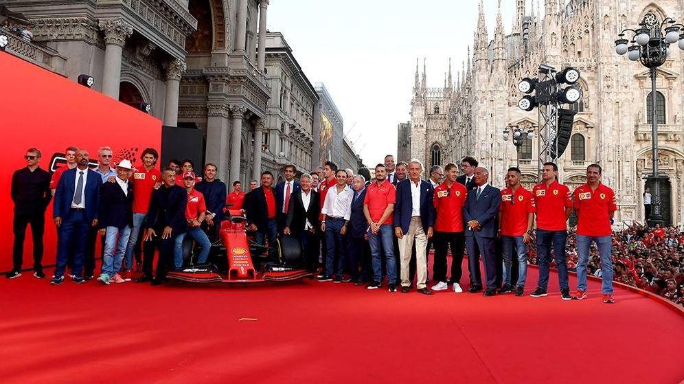 Foto: La imagen de familia de Ferrari sin Fernando Alonso. (Ferrari)