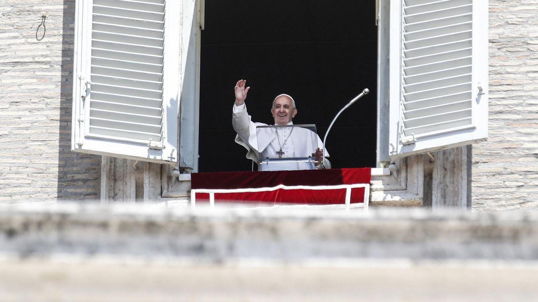 El Vaticano desautoriza al nuncio que acusó al Gobierno de resucitar a Franco